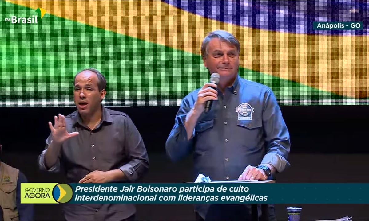 O presidente da República, Jair Bolsonaro, durante culto evangélico na cidade de Anápolis (GO). Foto: Reprodução/TV Brasil