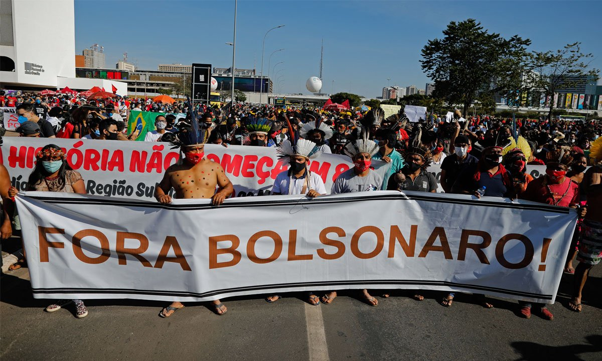 Protesto contra Jair Bolsonaro em Brasília, neste sábado 19. Foto: Sergio Lima/AFP