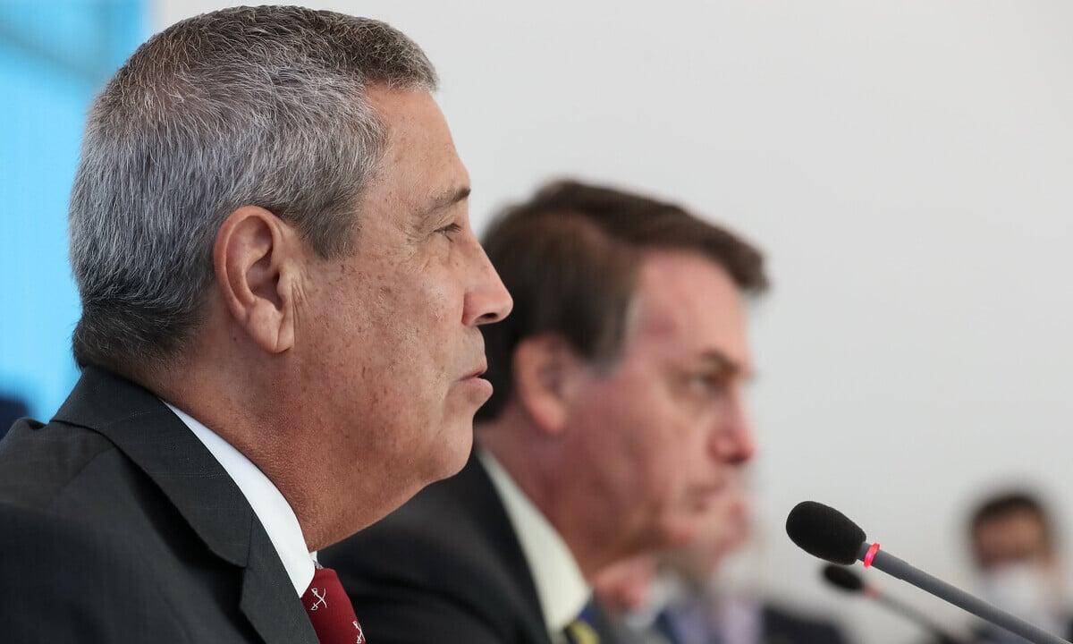 Walter Braga Netto, hoje ministro da Defesa, ao lado do presidente Jair Bolsonaro. Foto: Marcos Corrêa/PR